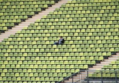 Vienatvė – kodėl aplinkui tiek daug vienišų, besišypsančių žmonių?