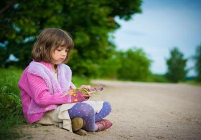 Vaikų patiriama depresija: priežastys ir simptomai